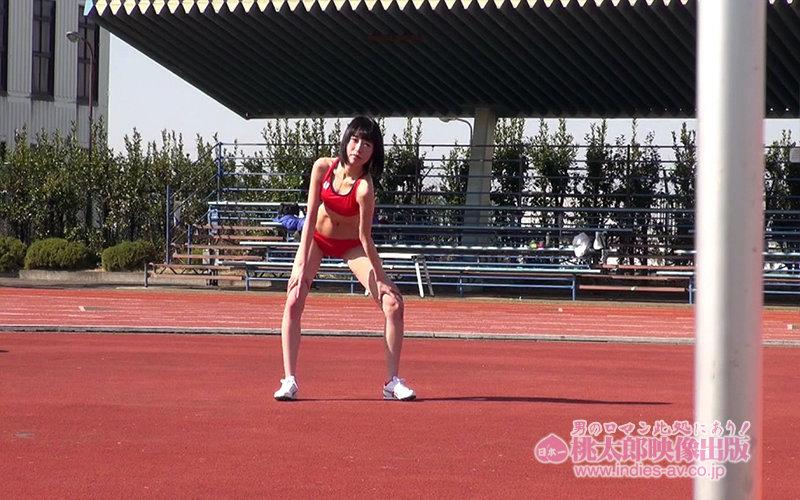 スポーツの日はやっぱり美少女マ●コで勃起チ●ポの中出しエクササイズ!!! 運動音痴でスポーツとは全く無縁の僕はスポーツの日だし運動不足解消の為、憧れの彼女のマ●コで勃起チ●ポのフィジカルトレーニングをしてみた! ゴムも着けずに…