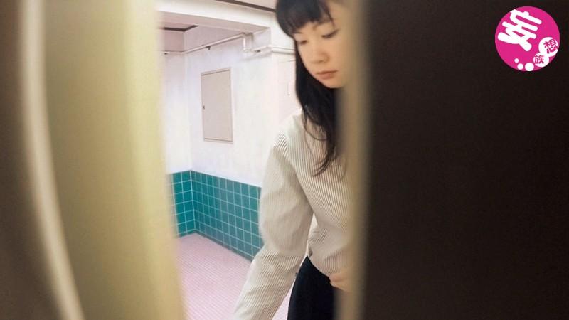ガチ盗撮 関東近県某市営第1体育館に侵入 地元お嬢さんたちのトイレの聖水盗撮BEST 117人4時間全部見せますスペシャル!! 7枚目