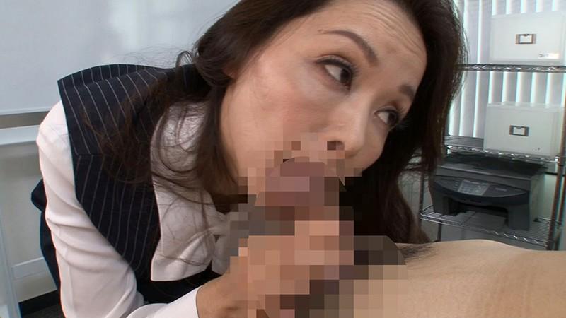 仕事のミスで呼び出しされて社内Hに誘う女上司とセクハラ業務