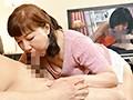 [MMMB-043] オバさんだってHなビデオ見たいのよ!興奮してムレた陰部からフェロモン出まくり!我慢できずにチ○ポをシゴく熟女4時間ベスト