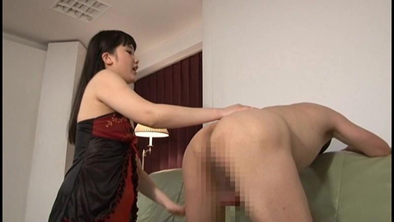 『宮崎あや』の金蹴り玉噛み遊戯 画像9