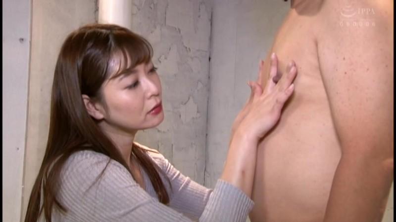 葵百合香がM男の乳首責め