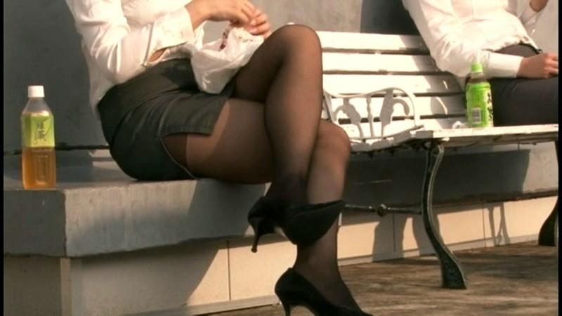 会社で女子社員の脚ばかり見ちゃうんです 画像1
