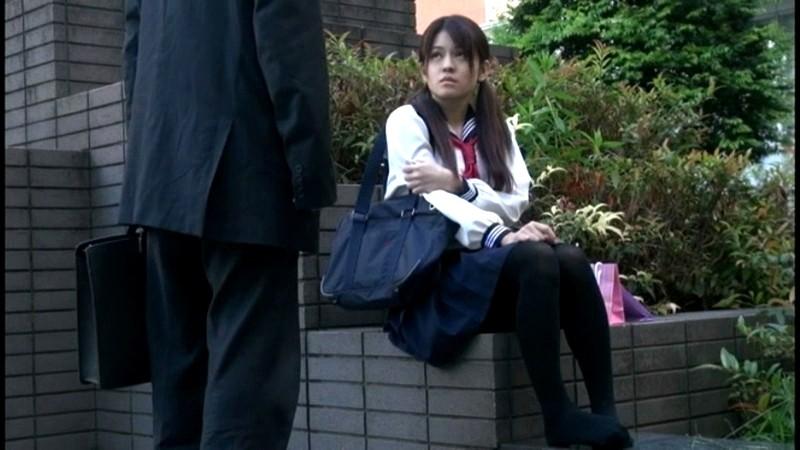 黒タイツを穿いている女子校生の足にすごくムラムラしちゃうんです 画像11