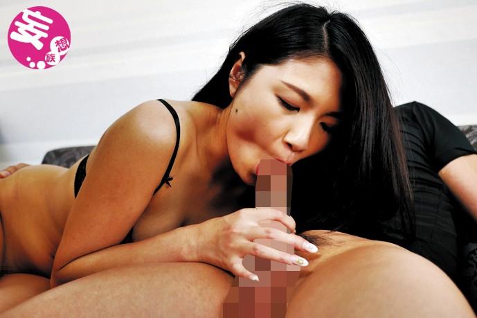 禁欲47日目…タマってるマ●コでデカマラを生呑みするケダモノSEX 女沢りさ 7枚目