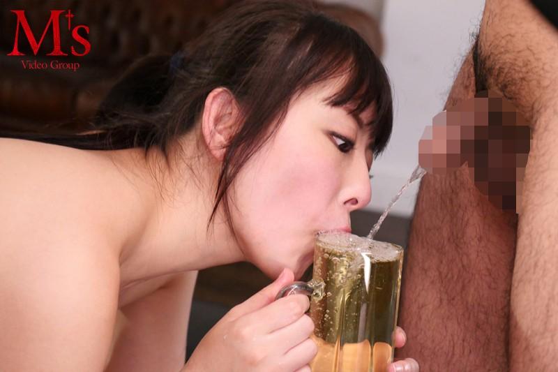 クチ・マ●コ・アナルどの穴でも男汁なら全部飲む!小便ザーメン3穴ごっくんファック 黒木いくみ 画像3
