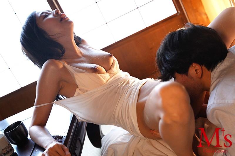 一年に一度燃え上がる純愛不貞セックス SM作家と妻とその愛人(編集者) 春明潤 キャプチャー画像 8枚目