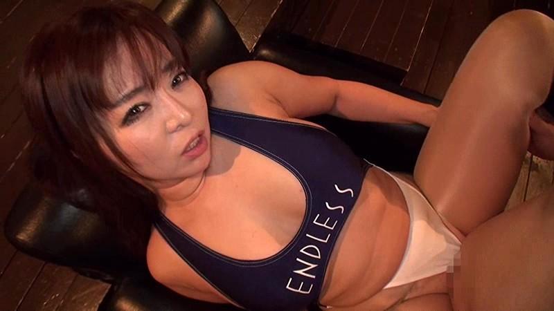 【乳首】淫乱な巨乳でパンスト姿の熟女、KAORIのフェラ手マンセックス無料エロ動画!【コスプレ、手コキ、パイズリ、アクメ動画】