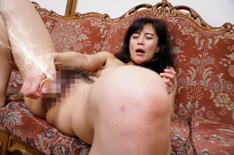 おばさんが見せる本気(マジ)イキ!ディルドオナニー 15人!4時間!