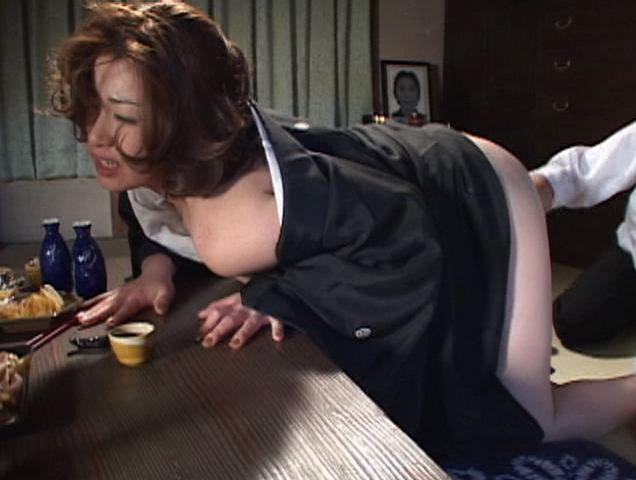 愛と官能の昭和人生劇場 尼僧と未亡人と熟女の痴情劇 3