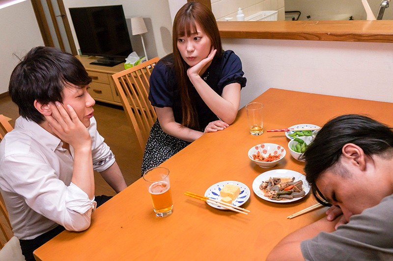 日本ねとられ大賞受賞作品 嫁の尻に敷かれているタイプの僕が甘え上手な会社の後輩(童顔巨根)に男前な姉さん女房を寝盗られてしまった実話です… 美谷朱里 の画像1