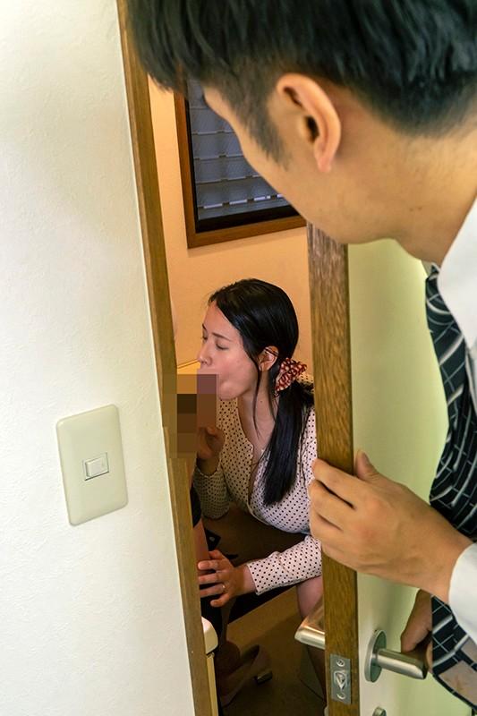 全日本ねとられ大賞受賞作品 事務員の妻に面倒な客のクレーム対応を任せていたら理不尽な要求で謝罪させられ脱がされて揉まれて巨根でパコられて… 僕が気付いた時には身も心も寝盗られてしまっていた的な話です… 春菜はな 画像17