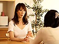 近所の不良主婦にそそのかされてモグリの団地妻売春サークルに名前だけ登録させられた妻 澤村レイコ