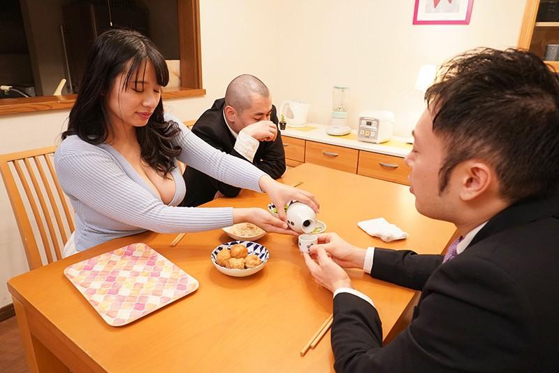 夫の同僚に言い寄られて………独身で風俗マニアで無類の巨乳好きな同僚がウチの嫁(爆乳)に食いついてしまったようで…… 春菜はな キャプチャー画像 2枚目