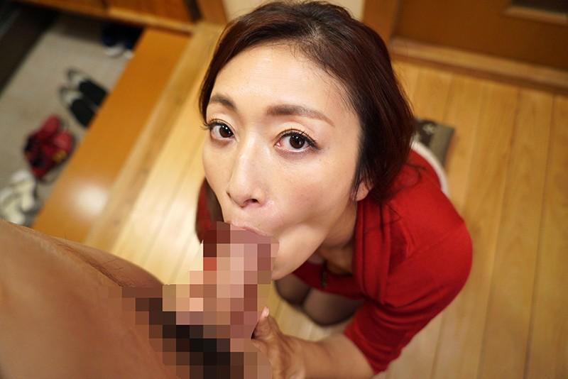 近所の不良主婦にそそのかされてモグリの団地妻売春サークルに名前だけ登録させられた妻 小早川怜子 画像13