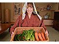 【VR】隣村のオサセな娘っ子が今日も野菜を売りに来たのでオチ○ボ&オマ○ゴ!性の喜び貪りまくりの超昭和肉感特化性交 若宮穂乃