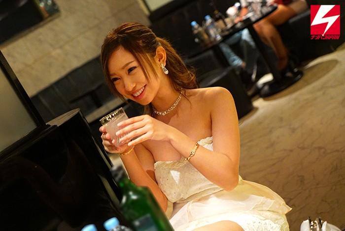 (天音セーラ)関東近郊の大型キャバクラで見つけた「無自覚枕営業?飲むととにかくHしたい!」人気No.1巨乳キャバ嬢が酔ったノリでAVデビューしちゃいました!あやかちゃん(源氏名)23歳 ナンパJAPAN EXPRESS VOL.50
