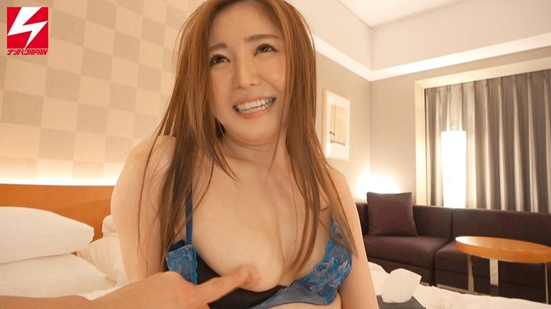 【エロ動画】旦那じゃ満足できない人妻は他の男と中出しセックス【のぞみさん】