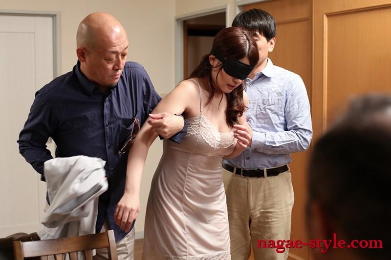 寝取られ性癖の夫 覗(のぞ)き見る妻の痴態9