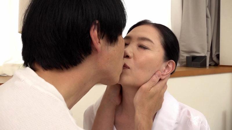 還暦で初撮り 東遥香 キャプチャー画像 2枚目