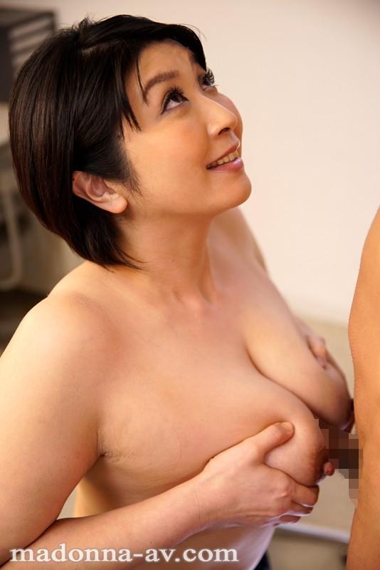 僕たちをHカップで指導するお仕置きパイズリ先生 八木美智香