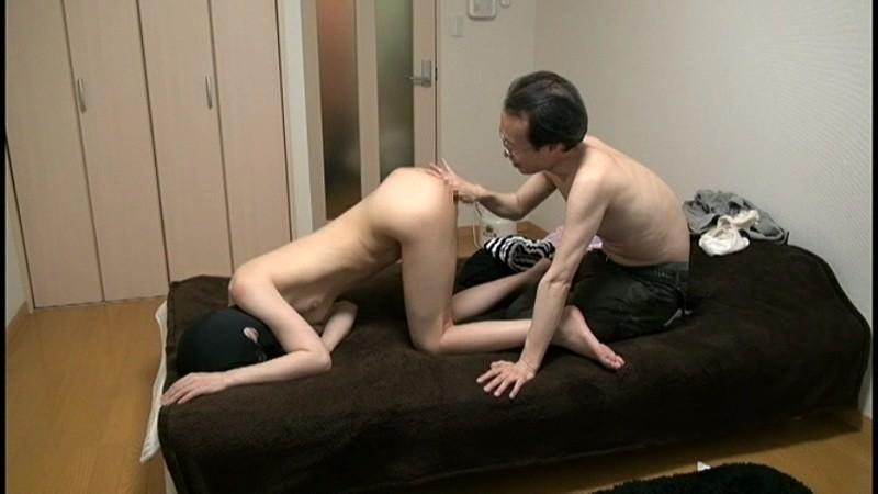 肥溜めカップル成立 人間便所志望女の初食糞 宮崎美由 画像4