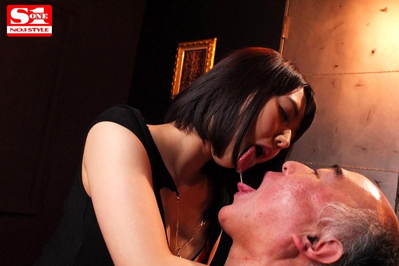唾液交換を繰り返しながらお互いを求め合う超濃厚ベロキスSEXじっくりたっぷり30本番8時間