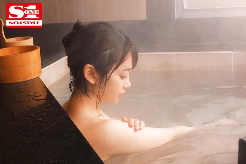 架乃ゆらデビュー祝3周年! 最新12タイトル1年分コンプリートベスト480...のサンプル画像