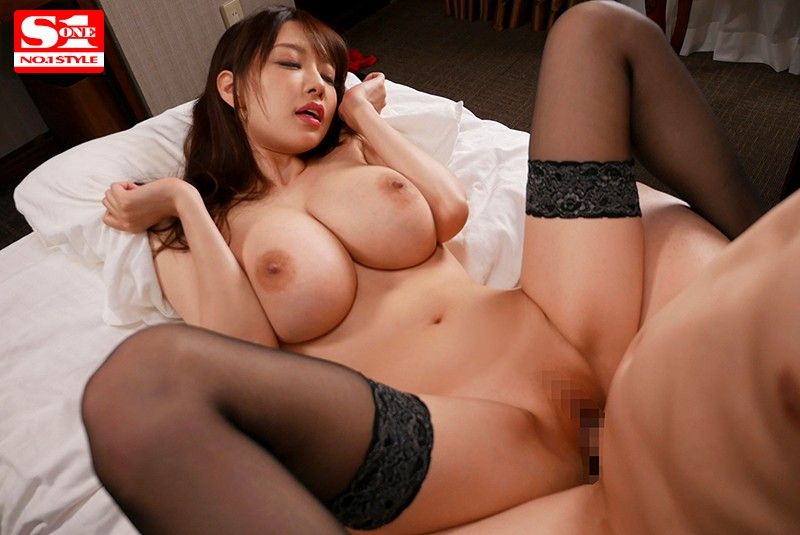 安齋らら 1st BEST6