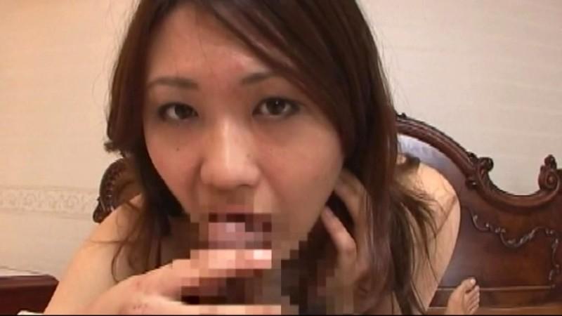 フェラチオ大好き26人の奥様たちが淫靡で濃厚な口技舌技披露舐めて咥えておしゃぶりしてお口の中にザーメン発射 画像13
