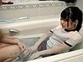 制服のままお風呂に入れられた無抵抗女子○生の体をひたすらいじり倒して、痙攣イキするまで犯し続けた映像