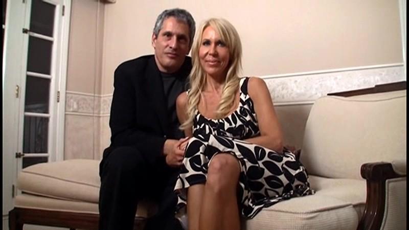 ニナ(53)『本当にこんなおばさんでいいの?』 奇跡の美貌!土下座してお願いするレベルの金髪美熟女現る! ニナ ハートリー 16枚目