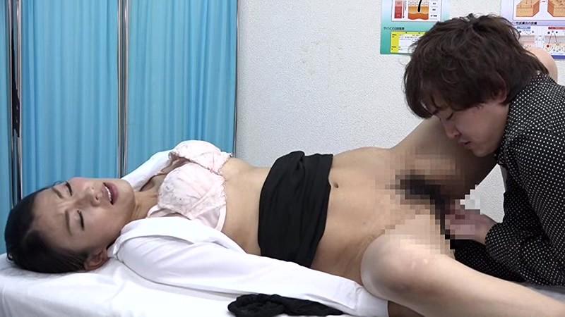美人の先生がいる皮膚科に行って腫れたチンコを診てもらう流れでヌイてもらいたい(3) 画像8