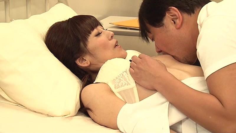 一発ヤレそうな美熟女看護師が集まる病院に入院してみた総集編 画像16