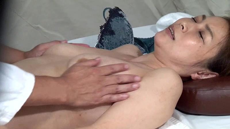 実は美人が多い女性トラック運転手を性感マッサージでとことんイカせてみた(2) キャプチャー画像 15枚目
