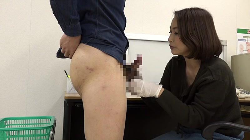 美人の先生がいる皮膚科に行って腫れたチンコを診てもらう流れでヌイてもらいたい(6) 画像13