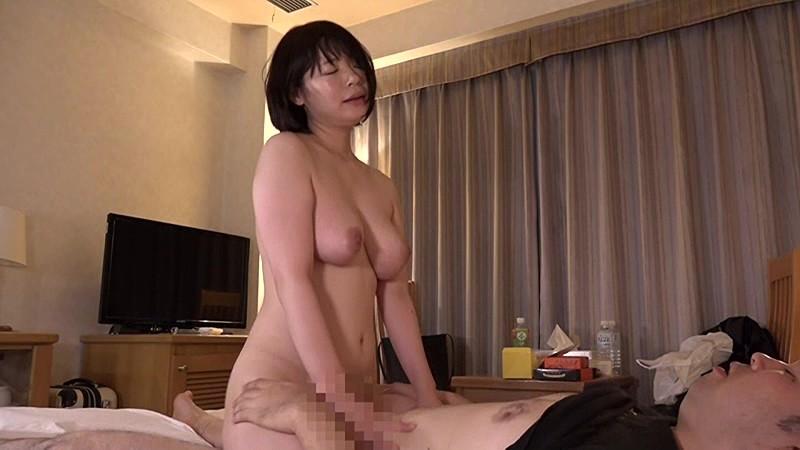 ビジネスホテルの女性マッサージ師はヤラせてくれるのか?in新横浜 Vol.2~実は淫乱なGカップ爆乳美女・水城さん34歳 の画像1