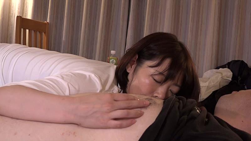 ビジネスホテルの女性マッサージ師はヤラせてくれるのか?in新横浜 Vol.2~実は淫乱なGカップ爆乳美女・水城さん34歳 の画像12