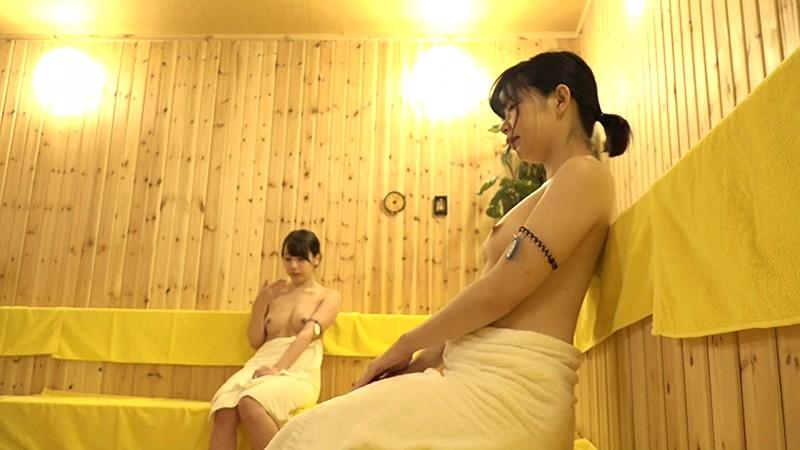 怪しい噂のある女性専用サウナ店に女性ADを潜入させたら常連のお姉さんたちにクリをひん剥かれてレロレロされちゃった! の画像20