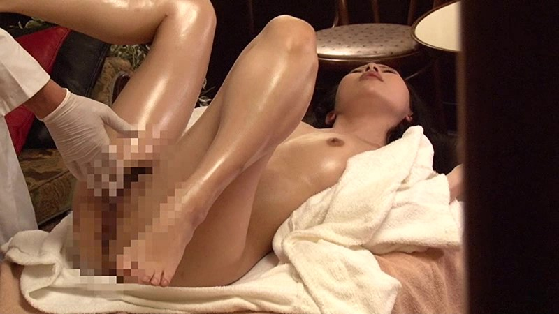 深夜営業の女性限定マッサージ店を完全盗●(12)~オイルまみれで揉みしだかれる女たち の画像6