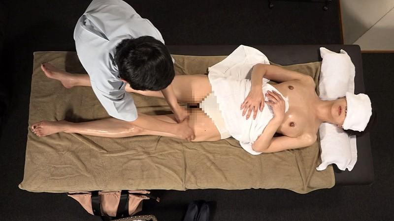 刑期を終えて出所したばかりの熟女は敏感なカラダに違いないので性感マッサージでとことんイカせてみた 画像10
