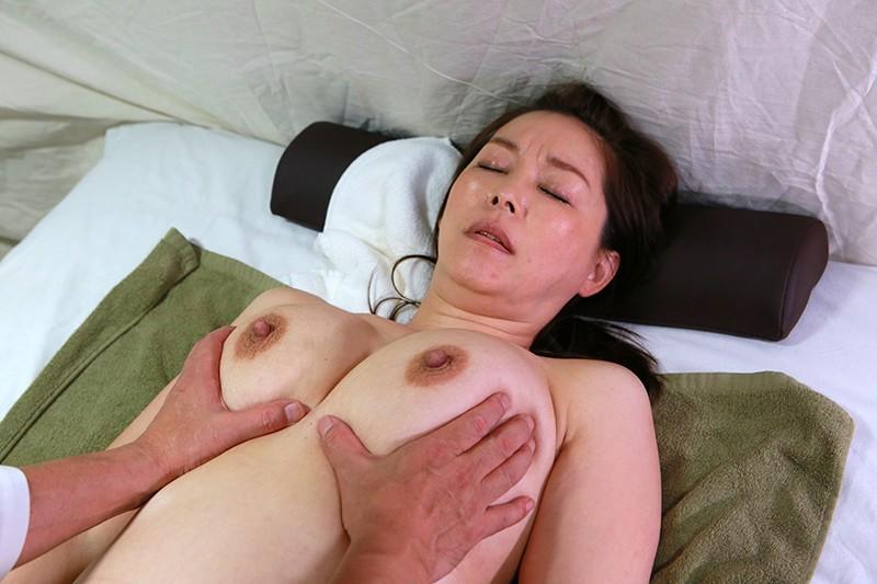 実は美人が多い女性トラック運転手を性感マッサージでとことんイカせてみた豪華版(2) 4