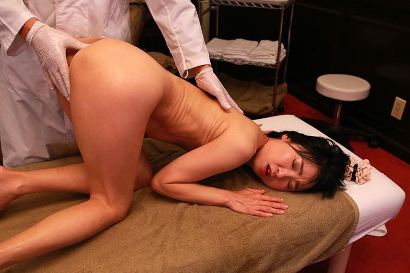 深夜営業の女性限定マッサージ店を完全盗●(14)〜オイルまみれで揉みしだかれる女たち