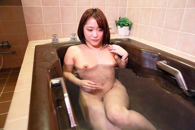管理人にヤラれちゃった団地の若奥さん(1)〜乳首ビンビン ゆり奈 25歳
