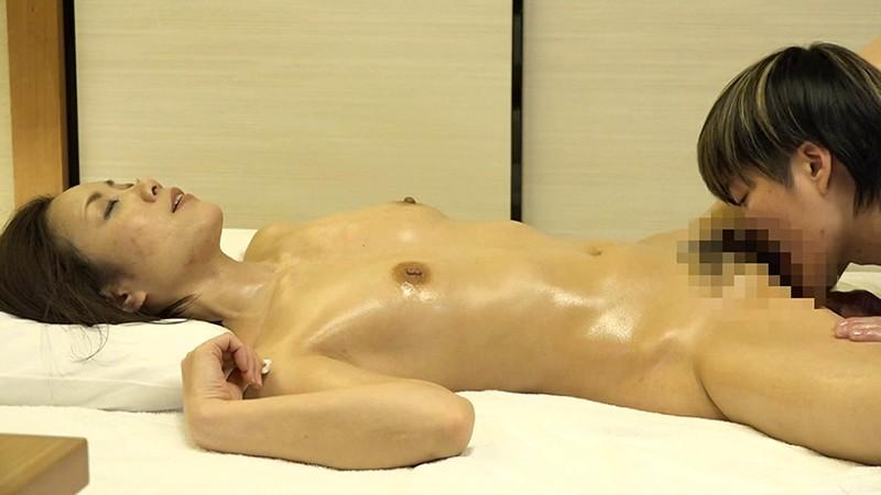 熟女が悦ぶ女性向け高級回春エステの盗●映像(6)~マン汁があふれ出す秘密の施術でよがり狂う 画像6