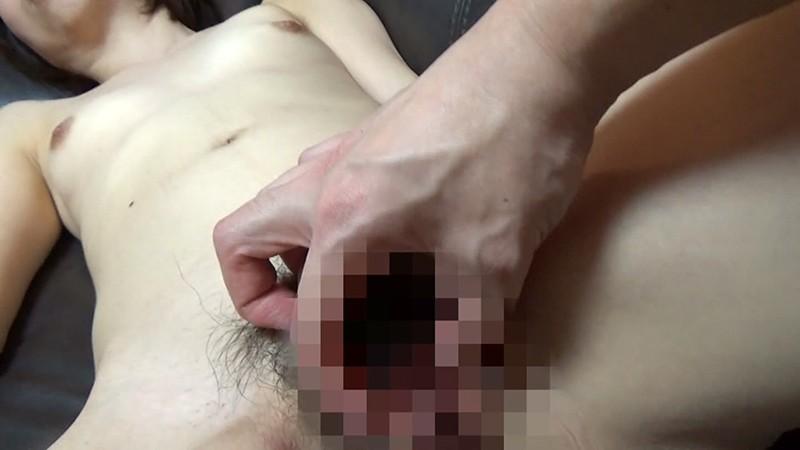 爆睡している女のおま●こをこっそりいじる9連発!(4)