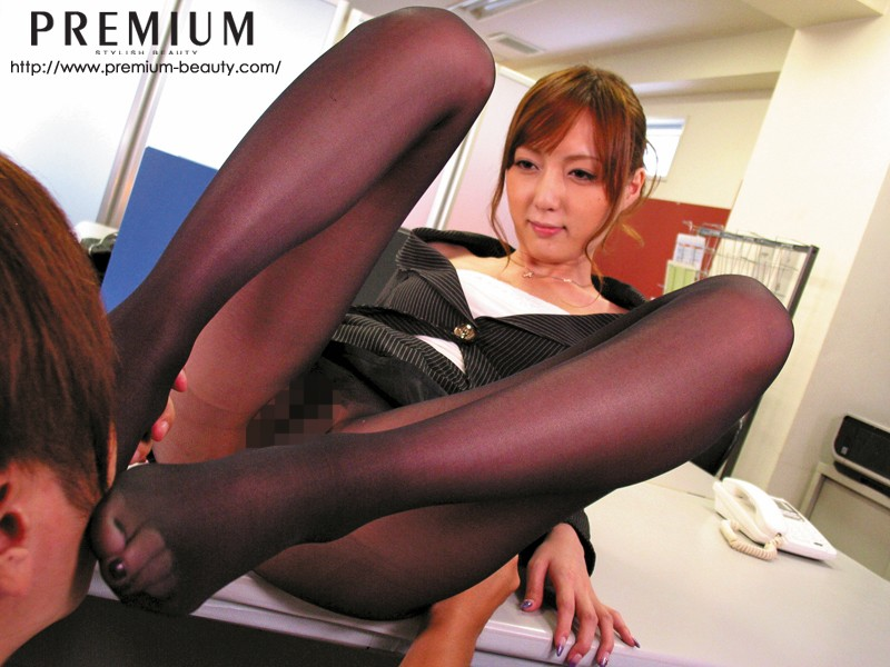 PGD-476 Studio PREMIUM - Beautiful Ass x Beautiful Legs, Pantyhose Fetish Kaede Fuyutsuki
