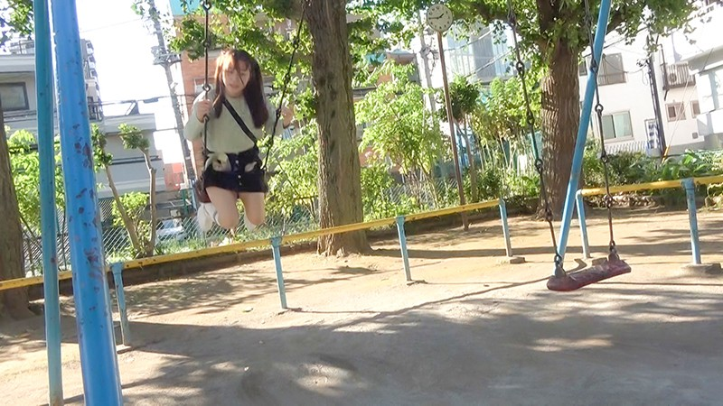 なかだC組 ひかりちゃん(18) ねぇ、おじさんと遊ばない? 近所の公園で出会った鬼ロ●中出しガール 希望光|無料エロ画像1