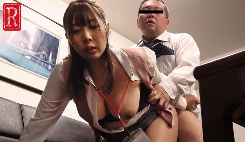 巷では貧困家庭の女の子たちを支援する聖人と言われています。 私は社長という立場を利用して上京し預かった中卒女子社員たちとセックスしまくっています。 極悪非道!全女子社員たちを性奴隷!処女から調教!避妊薬を飲ませ中出し! 8枚目