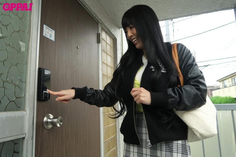 凄いフル勃起の男子学生寮に突撃パイズリ Hitomi 画像9
